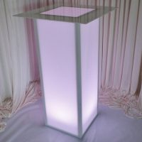 illuminated-pedestal-table